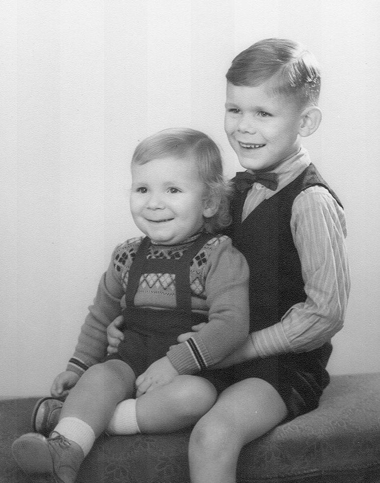Min bror og jeg.