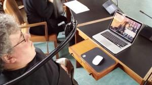 Jan Jakobsen med sin computer foran sig fotograferet under et byrådsmøde i Ringsted
